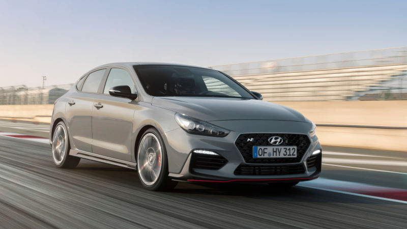 the hyundai i30 n fastback shows how much cooler hyundai is in europe techkee. Black Bedroom Furniture Sets. Home Design Ideas